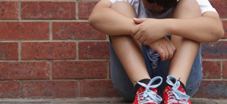Como reconhecer quem sofre bullying e ajudar