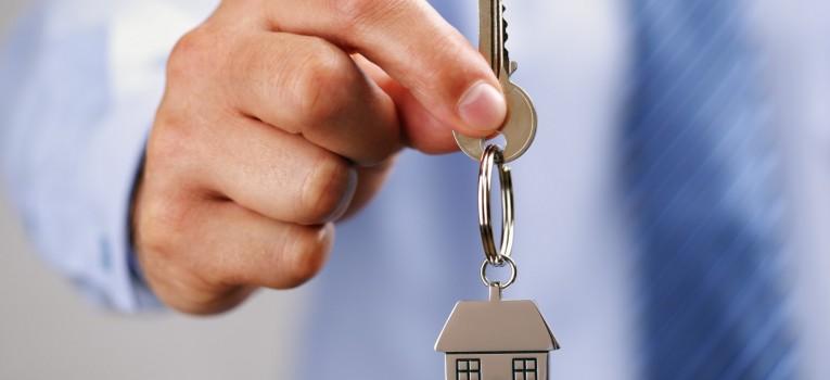 Pensa em morar sozinho? Essas dicas vão te ajudar a planejar-se