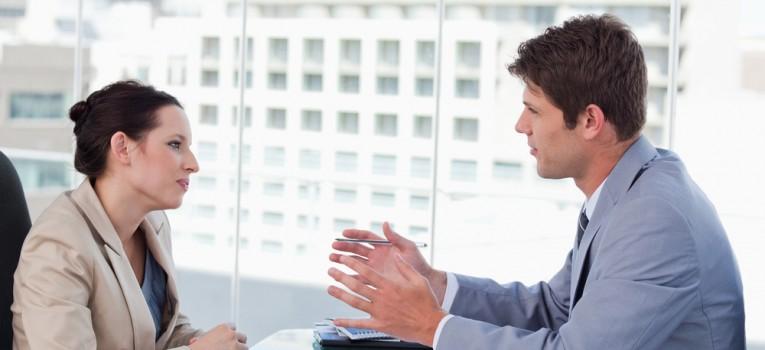 Como reagir ao feedback negativo e críticas