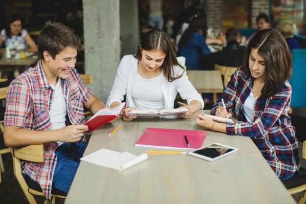Estudos em Grupo