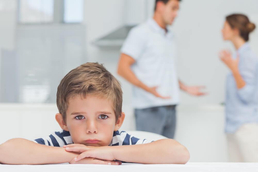 Divórcio dos pais na psicologia infantil