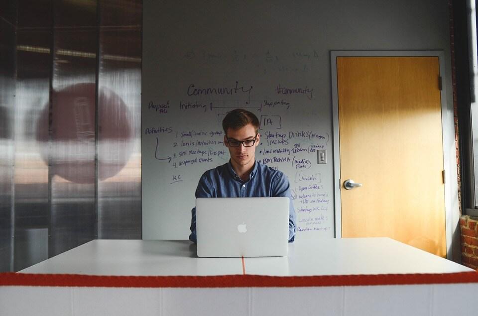 Confira 5 cursos rápidos que irão te auxiliar para administrar uma microempresa!