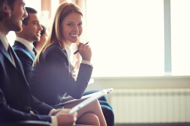 Veja como o curso de inglês pode te ajudar a alavancar sua carreira profissional!