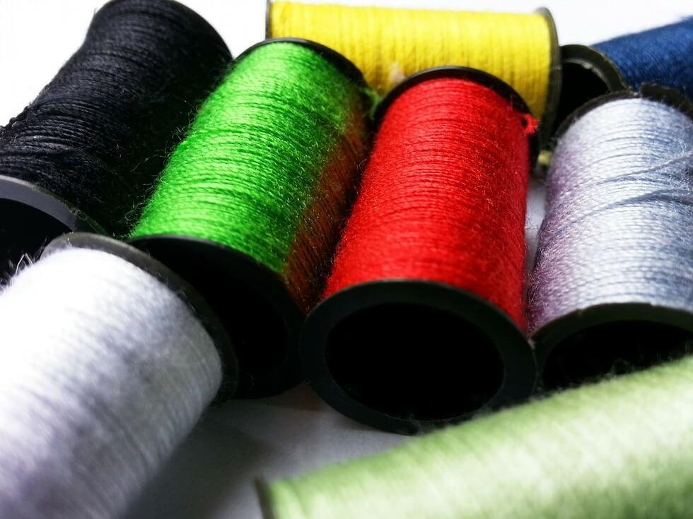carretéis de linhas curso de corte e costura