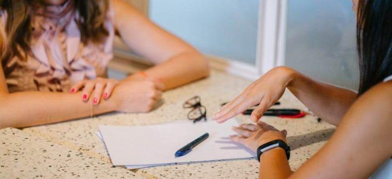 Aprenda a importância de montar o currículo e baixe um material exclusivo!