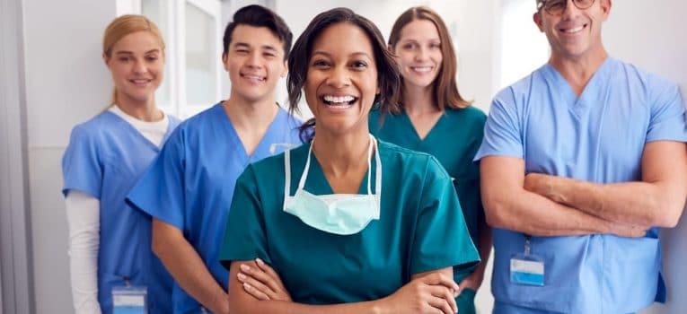Você sabe quais são as possibilidades de especializações em enfermagem?