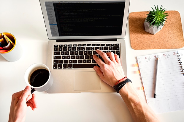 razões para realizar um curso online na Cursos 24 Horas